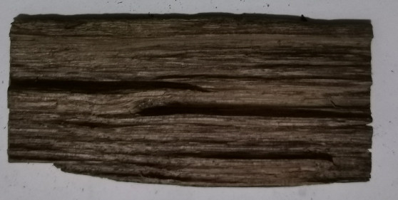 Agarwood/Aloeswood Oud chips, Burma 1 piece 7 grams strip grain