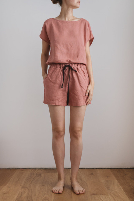 zomerpyjama top en short soft salmon in linnen