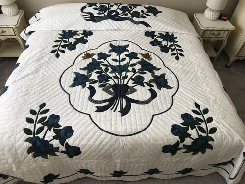 Flower Bouquet Applique Amish Quilt 94x109