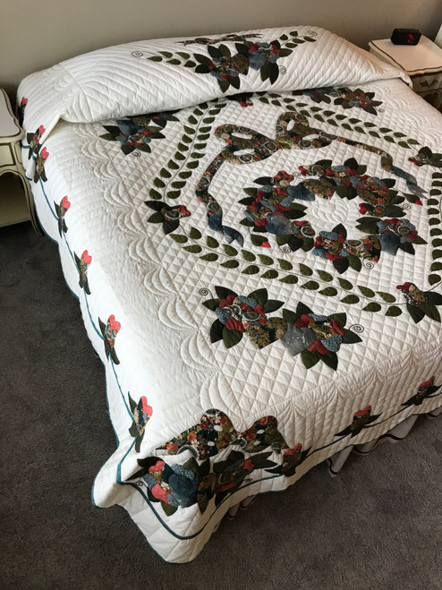 Country Rose Medallion Applique Amish Quilt 96x109