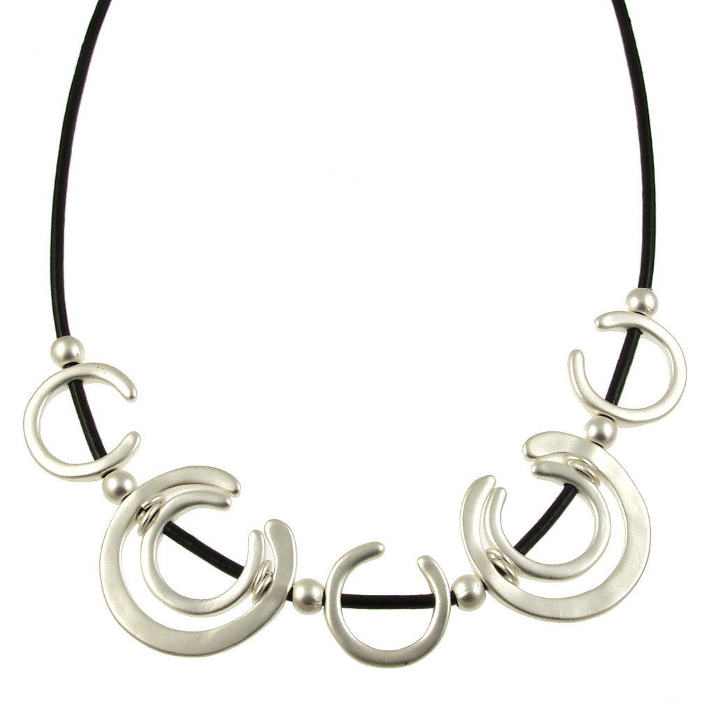 5125-4 - Matte Silver/Black Horseshoe Magnetic Necklace