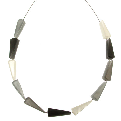 2212-9 - Fan Necklace Black/White/Gray