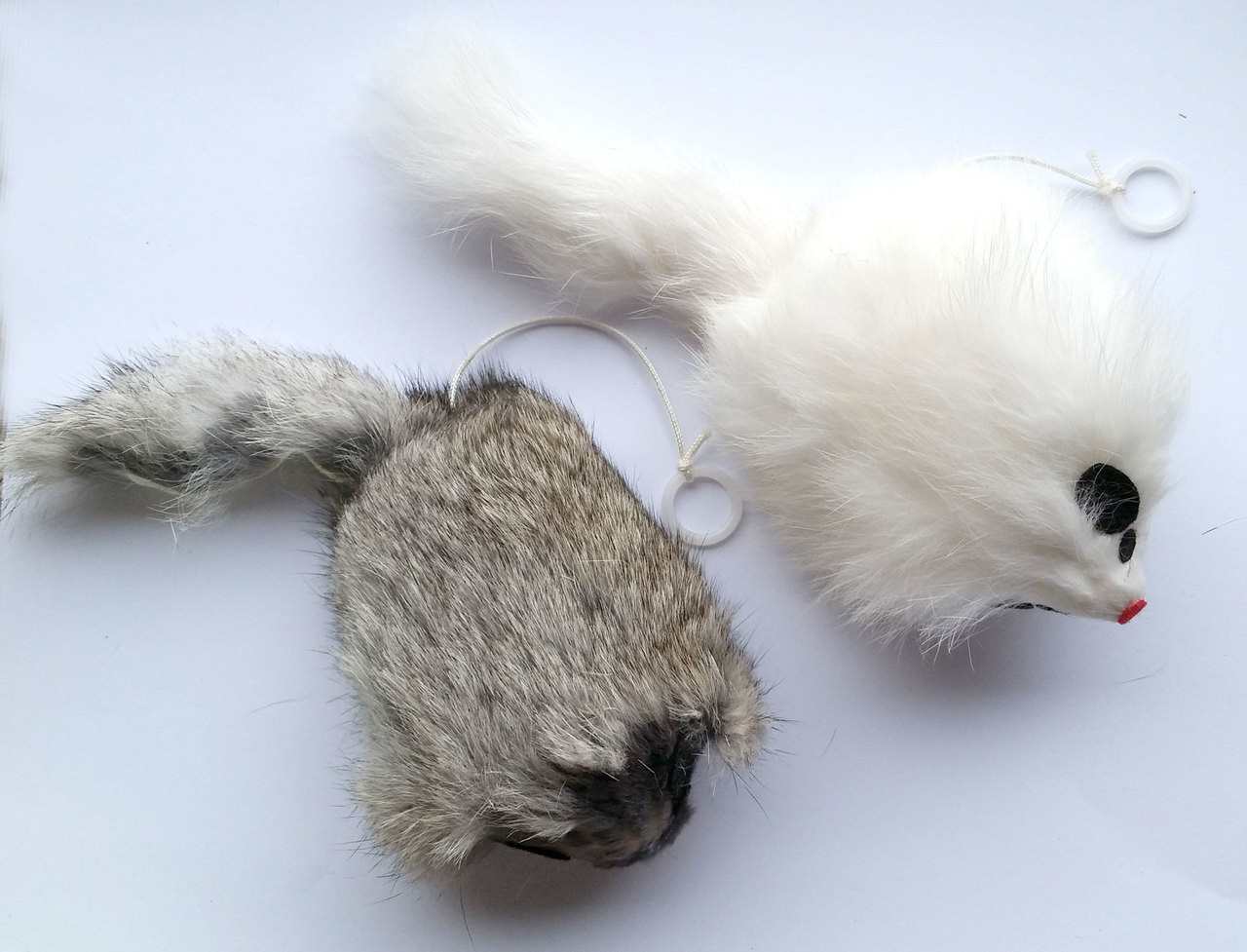 0c0b703e33c Rabbit Fur Mouse Cat Toy with Pull String Trembling pull string cat toy