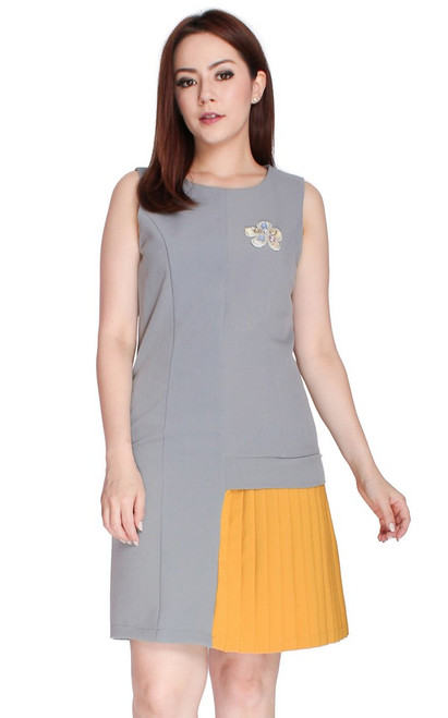 Contrast Pleated Side Panel Dress - Grey