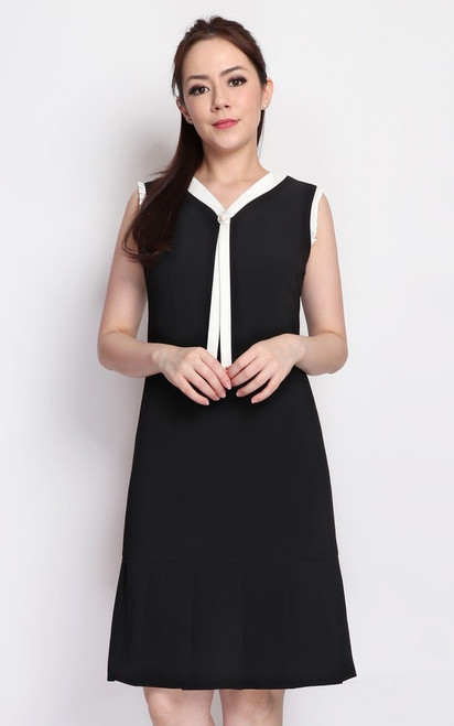 Monochrome Pleated Hem Dress