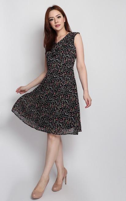 V-Neck Ruffled Dress - Black