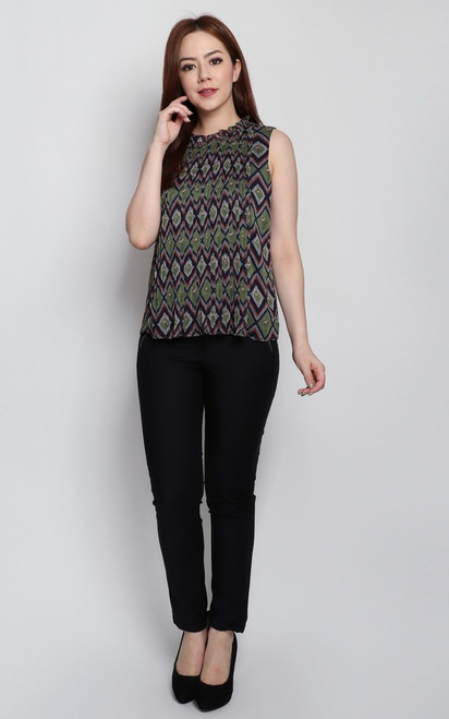 Pleated Front Panel Top