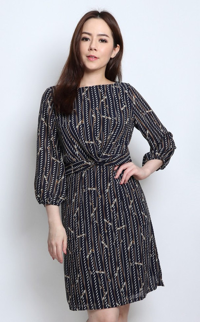 Criss Cross Waist Dress - Chain Print