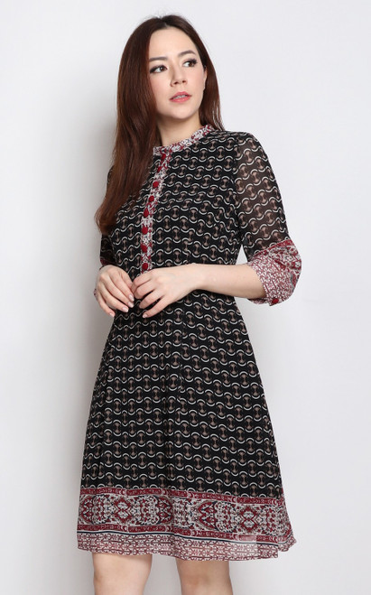 Contrast Printed Dress - Black