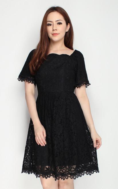 Scallop Lace Dress - Black