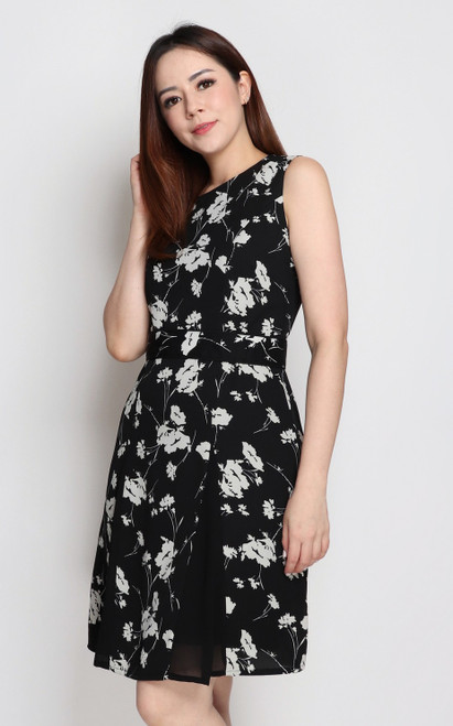 Contrast Panelled Dress - Monochrome