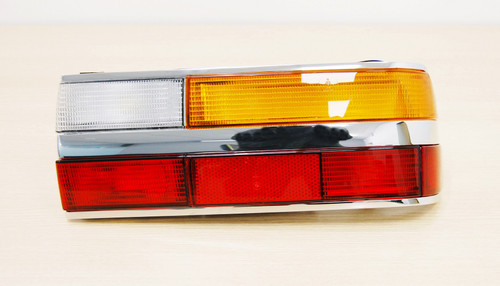 NEW ORIGINAL BMW 5 series E28 TAILLIGHT REAR LIGHT RIGHT  SIDE FOR LHD 6321 1366770