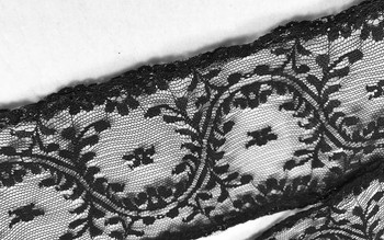 "Prayer Veil - Black Lace - Flowering Vines - 3 1/2"" - Straight"