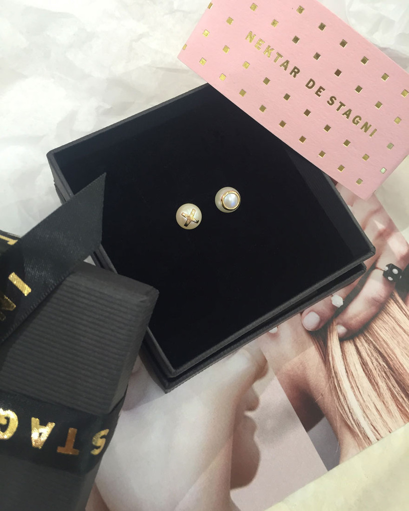 Pearl Earring  Gift Packaging by Fine Jewelry Designer Nektar De Stagni