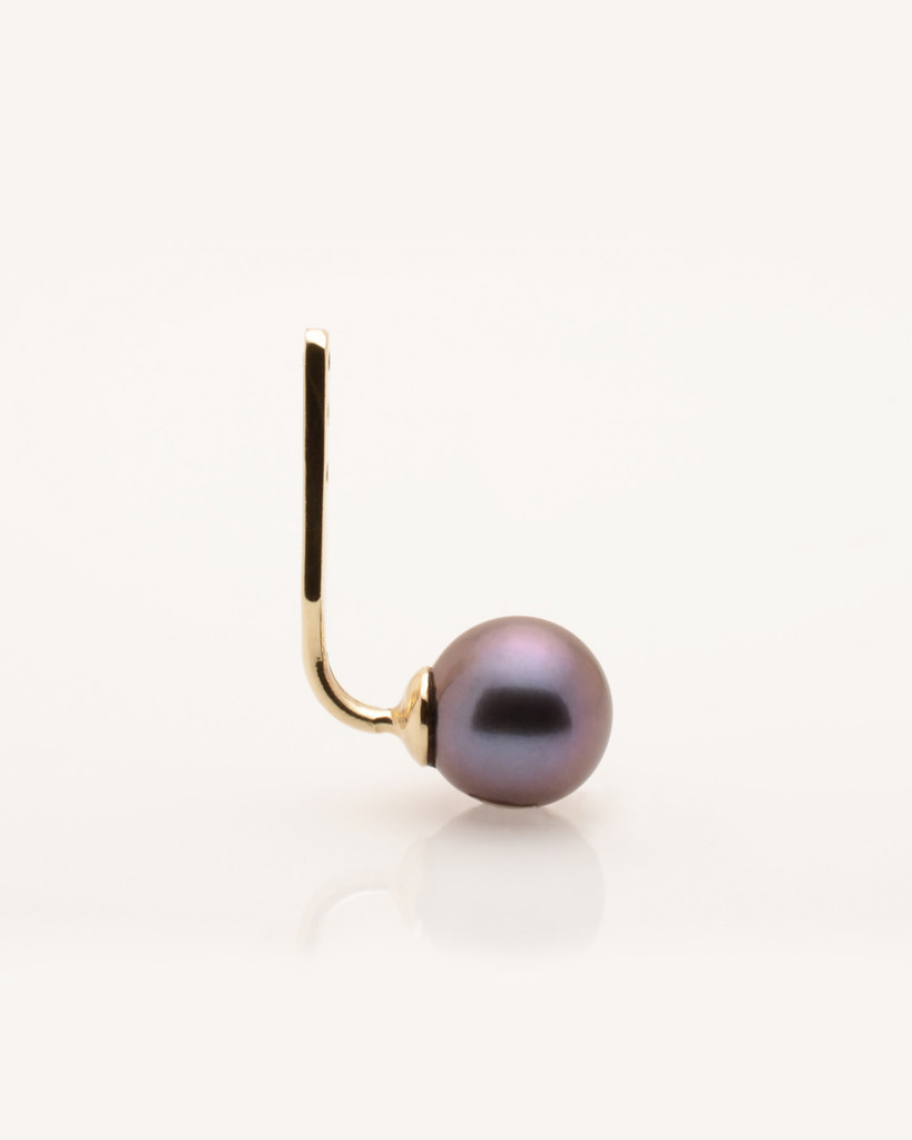 Side view of Cultured Freshwater Black Pearl Single Earring Jacket in 14k Gold by Jewelry Designer Nektar De Stagni (6-mm)