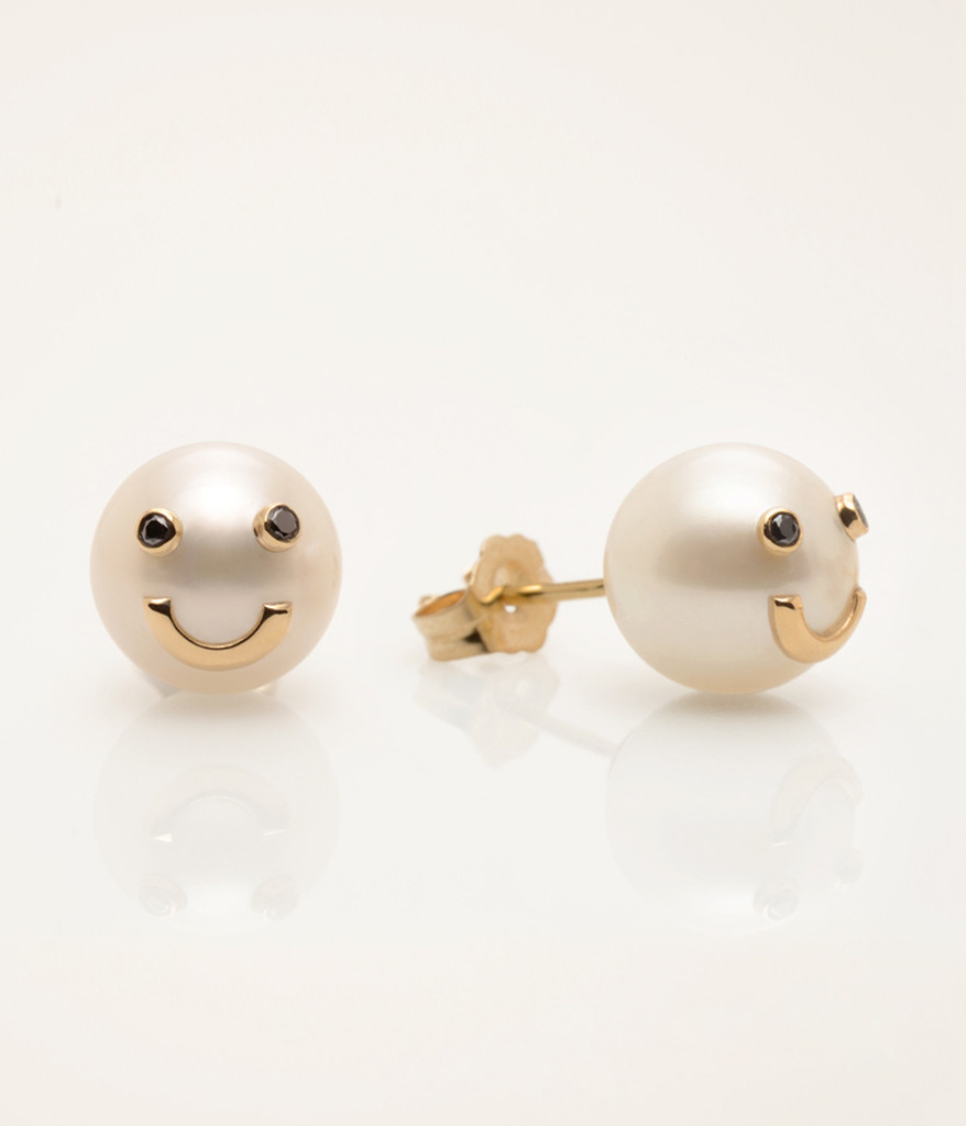 Side view of Cultured Freshwater Pearl Earrings with Smiley Emoji in 14k Gold & Black Diamond by Jewelry Designer Nektar De Stagni (8-9 mm)
