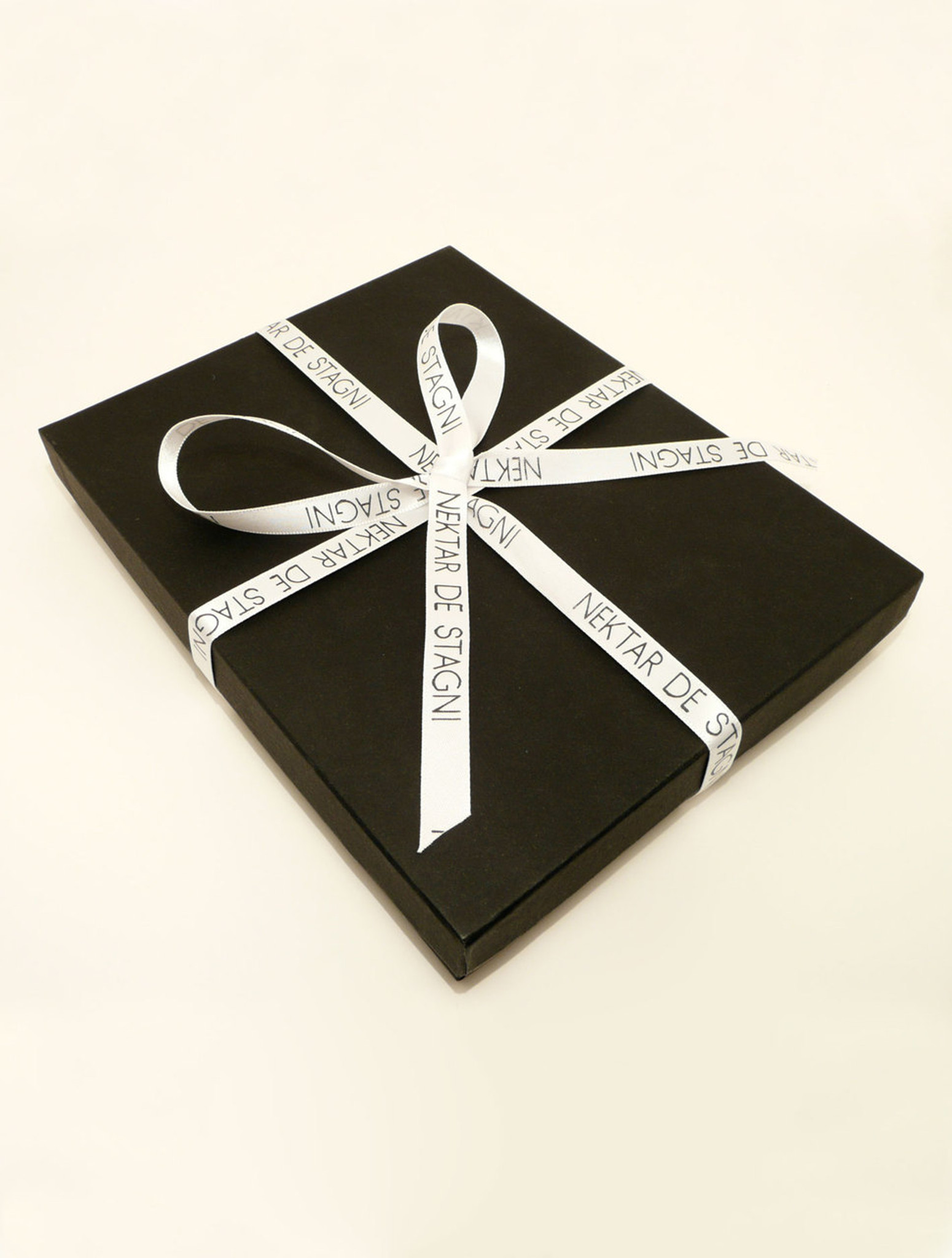 Nekar De Stagni Gift Packaging