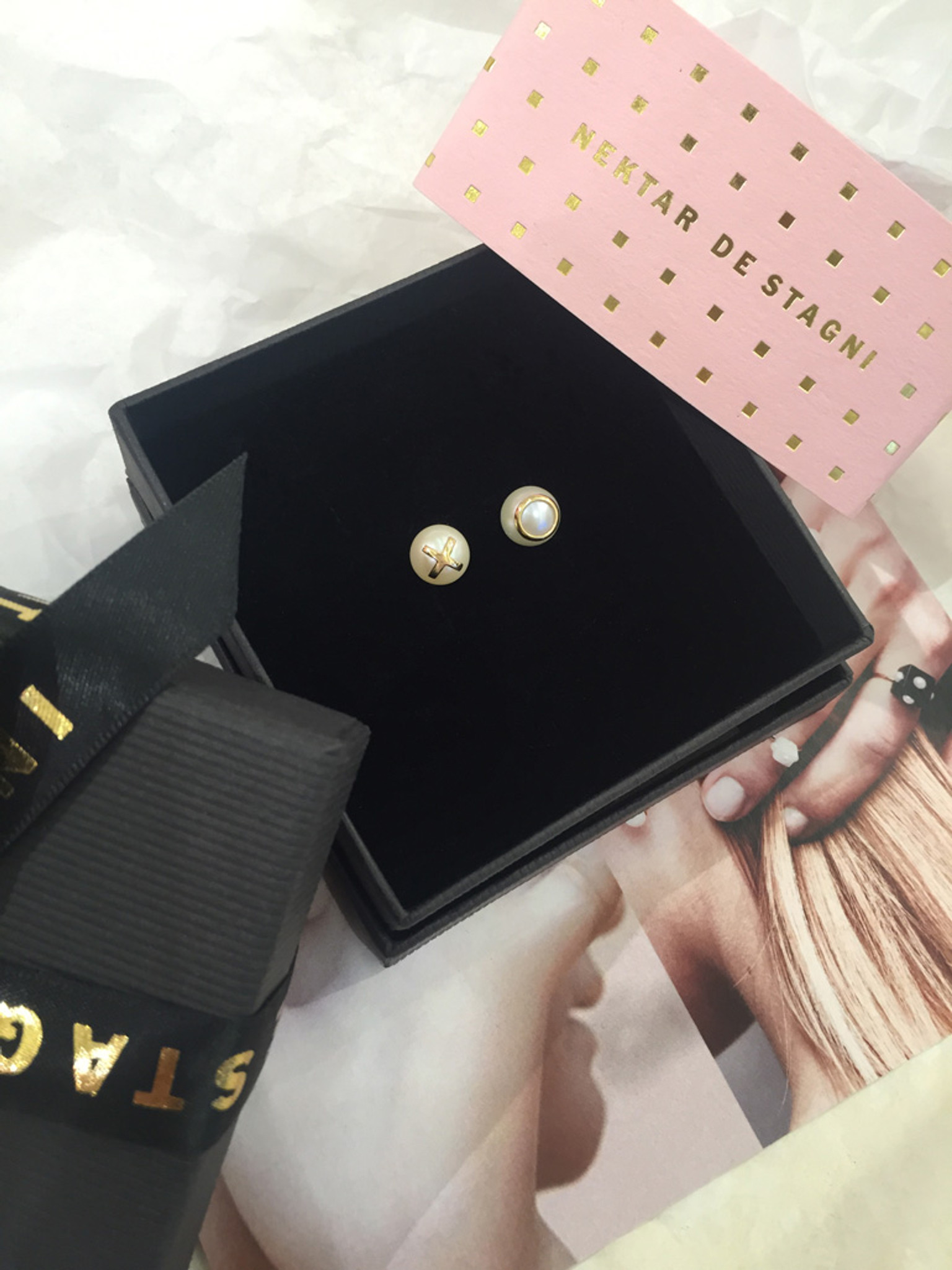 The perfect fine jewelry gift. Cultured Freshwater Pearl Earrings with 14k Gold XO Emoji (8-9 mm) by Nektar De Stagni A copy