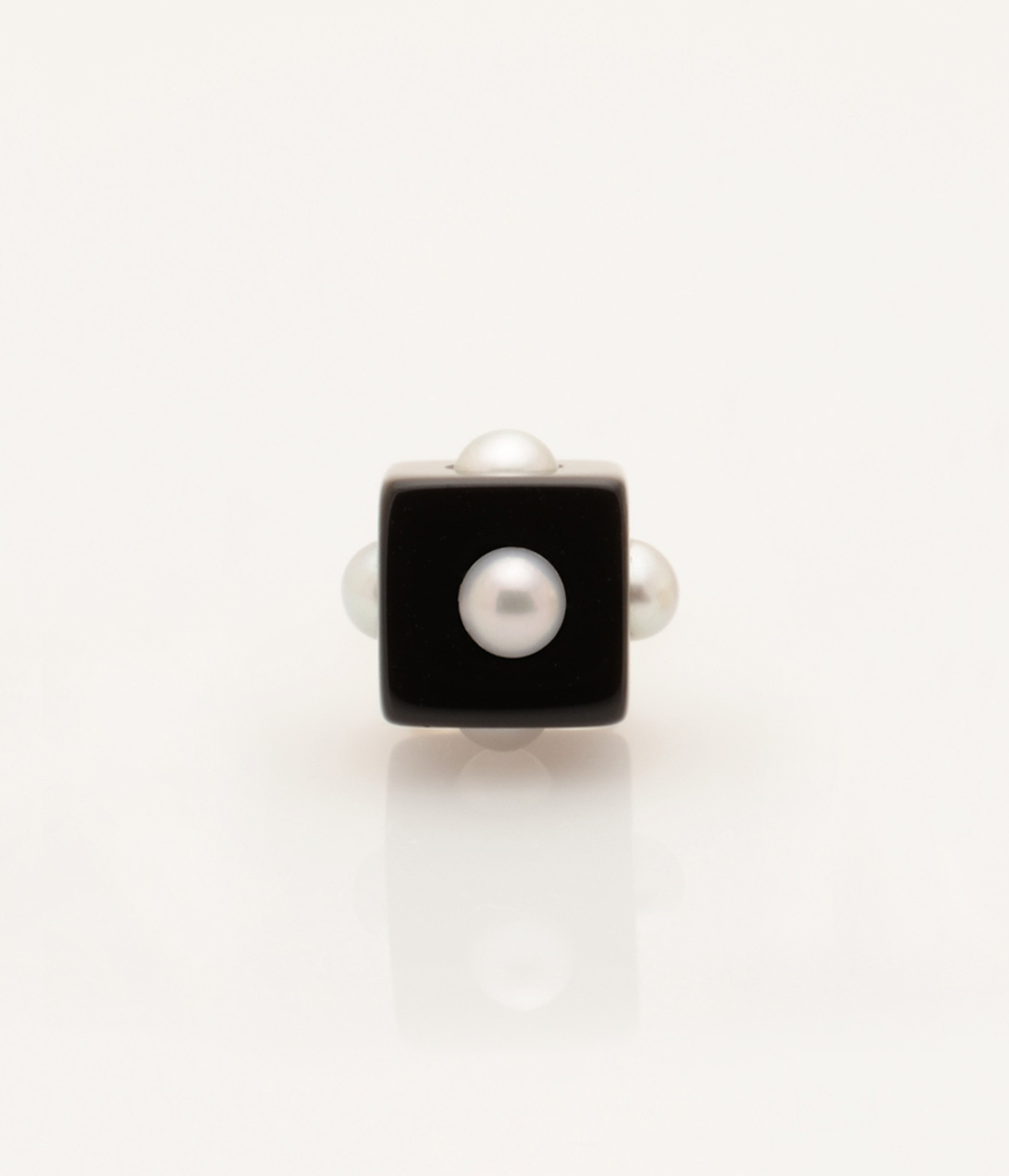 Single Freshwater Cultured Mini Pearl Onyx Cube with 14k Gold Post by Nektar De Stagni