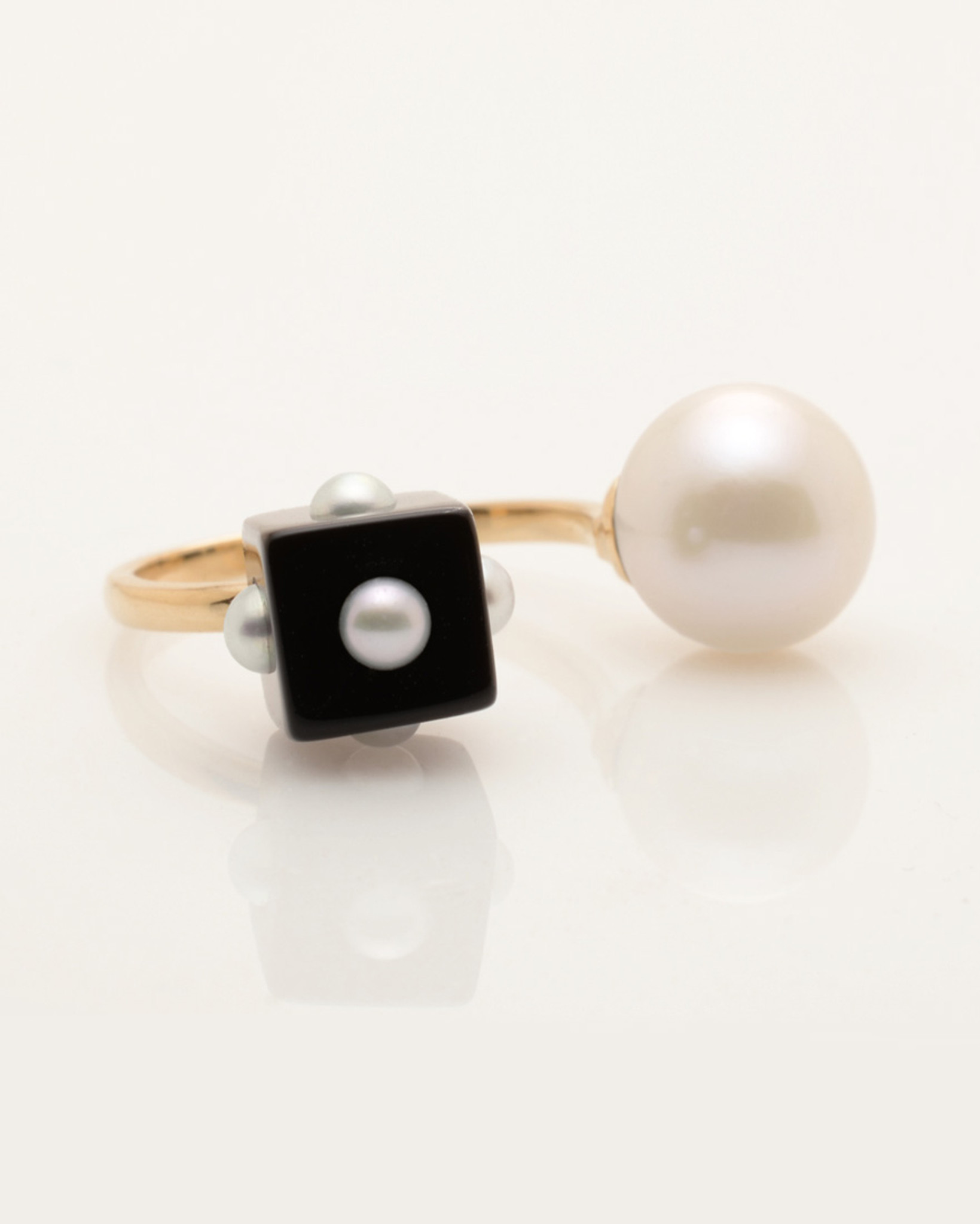 Side view of Mini Pearl Onyx Cube & Pearl Ring with 14k Gold Band by Fine Jewelry Designer Nektar De Stagni (8-9mm. Size 5, 6, 7).