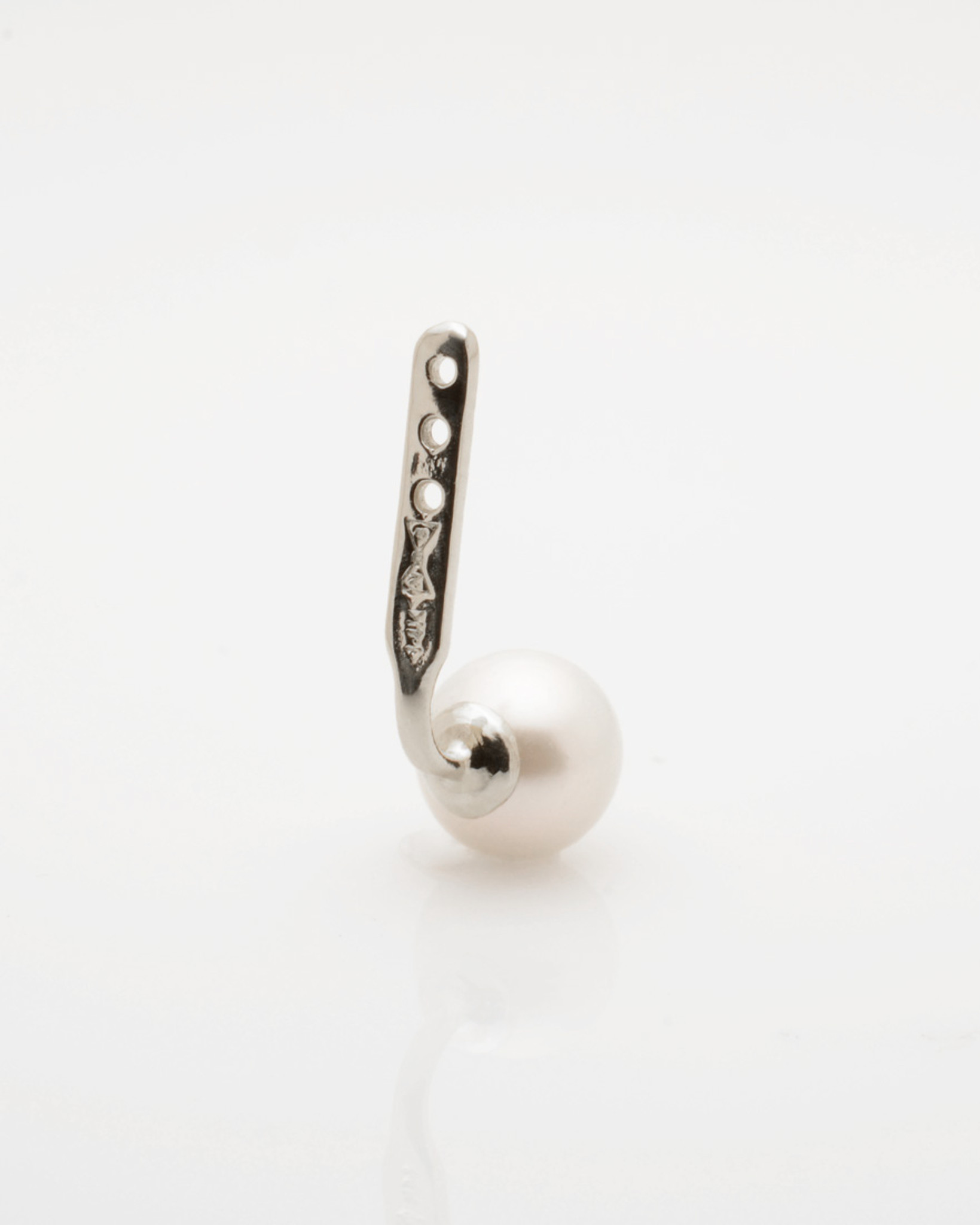 Back view Cultured Freshwater Pearl Single Earring Jacket with Spike in Sterling Silver by Jewelry Designer Nektar De Stagni (6-mm)