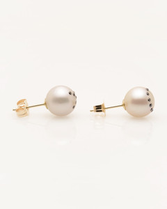 Side view of Cultured Freshwater Pearl Earrings with XO Emoji Diamond Pave and 14k Gold Posts by Jewelry Designer Nektar de Stagni (8-9-mm)