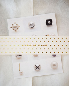 Fine Jewelry Gift Wrapping by Nektar De Stagni