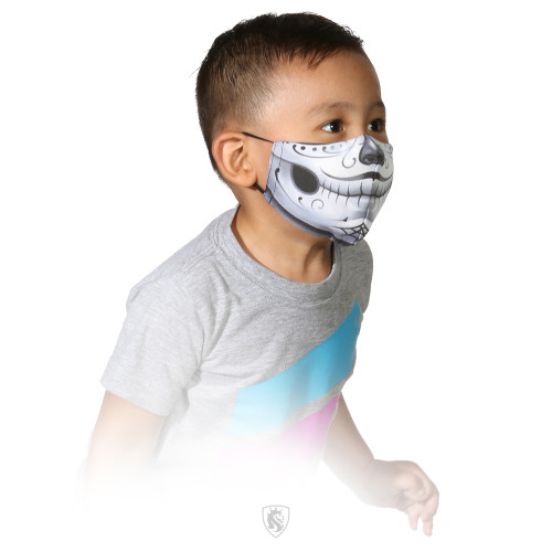 It is recommended by the CDC that face coverings should be worn in all public settings where social distancing measures are difficult to maintain.