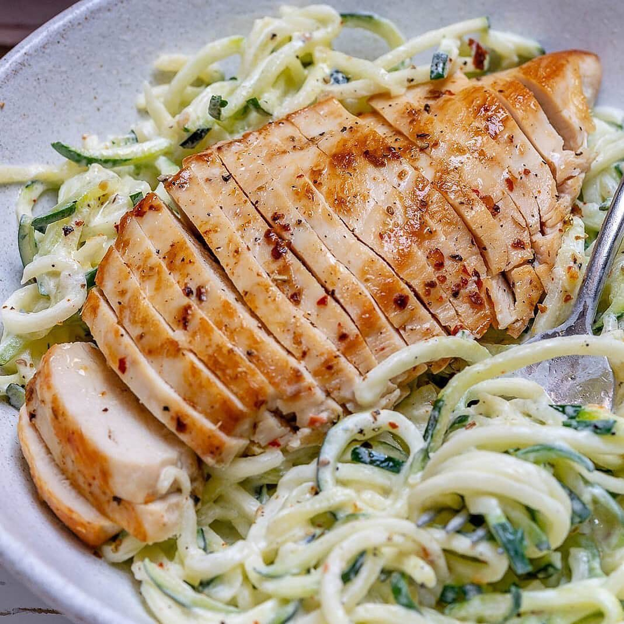 Easy Alfredo Chicken with Zoodles