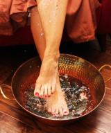 A Mess Free Herbal Foot Soak