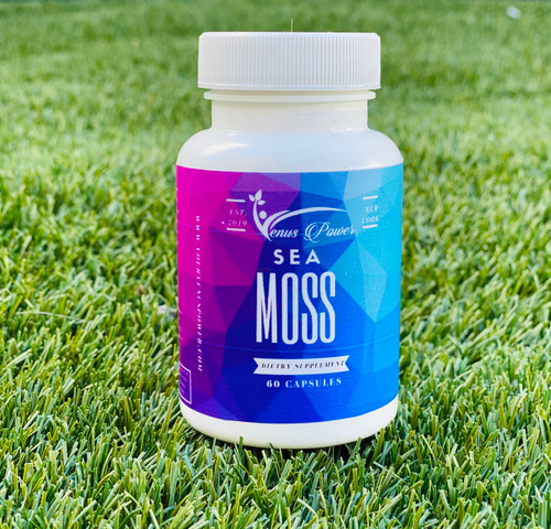 Sea moss seamoss irish moss This super Food Irish moss contains 92 of the 102 minerals that our bodies need, along with Vitamins A, B, C, D, E, and K. It is especially rich in calcium and iodine, as well as containing potassium iodide and potassium bromide, selenium, zinc, and natural silica. Species Chondrus Crispus.
