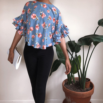 SHEIN Floral Ruffle Sleeve Top