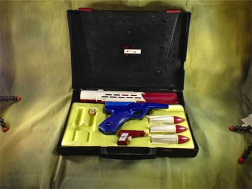007 James Bond Secret Agent 007 B.A.R.K. ,Bond Assault Raider Kit, Excellent Condition