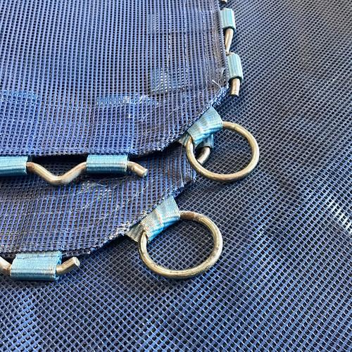 Powermesh bed with corner rings