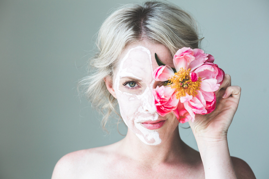 5 Cleansing Face Masks to Make with Superfoods