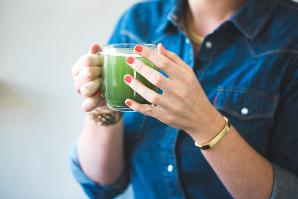 Get Energized with this Simple Chlorella Water Recipe