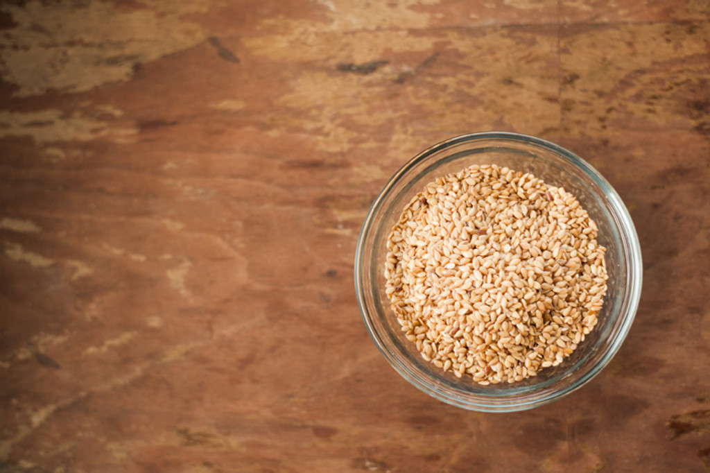 The Difference Between Flax Seeds and Flax Seed Powder