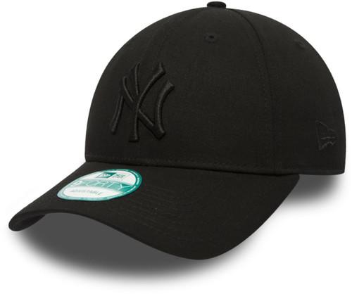 NY Yankees Black/Black Nine Forty Adjustable Cap
