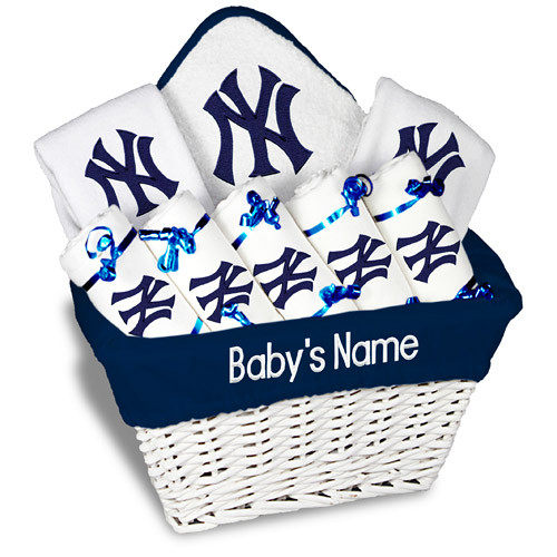 NY Yankees Personalized 9-Piece Gift Basket