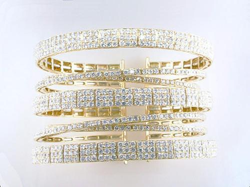 Modern Diamond Jewelry Diamond Bangle Bracelet 11.50ct Designer Cuff Bracelet 18K