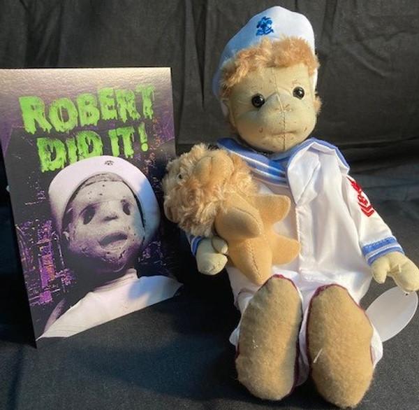 Robert The Doll Basic Set