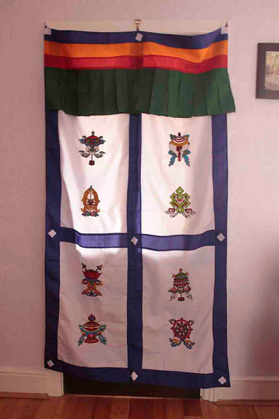 Tibetan door curtain, eight auspicious signs