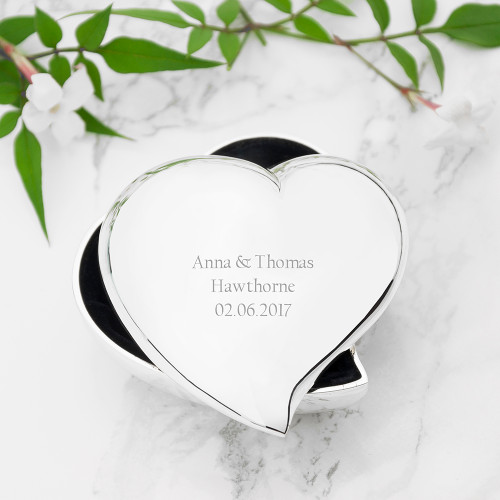 An adorable miniature trinket box, perfect to hold your most precious of possessions. Use as a ring box for your wedding day Silver plated Black felt lined Personalise with a message