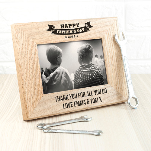 The perfect gift for dad this Father's Day! Made from solid oak Personalise with two line of text Frame fits 6'' x 4'' photos 'Happy Father's Day' followed by the current year.