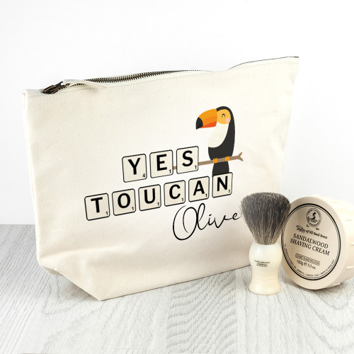 Living the on-the-go lifestyle, with little to no time for glammign up at home? No worries, this cream washbag makes for a handy make up on long flights, or to carry in your bag to work, that you may top up your lipstick and mascara wherever you are!