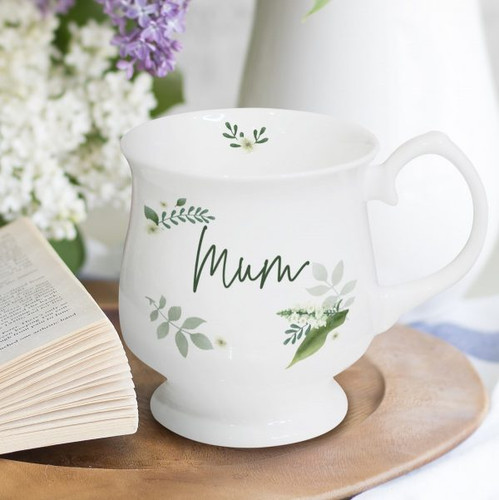 Personalise this lovely floral themed bone china mug with any name of up to 15 characters and a message on the reverse over 4 lines of up to 20 characters. Dish washer & microwave safe. Dimensions: 8.7 x 7.6 x 2.7cm.