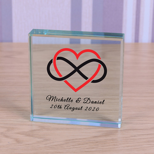 This personalised glass token is the perfect gift to show how much you care. Made from premium glass it looks stunning as an ornament but can also be used as a paperweight. Personalise with your choice of text to make a beautiful gift and keepsake. Supplied in a lovely organza gift bag. (Size 80 x 80 x 20mm)
