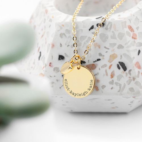This personalisable disc necklace with heart charm is an elegant necklace and a lovely gift to someone special.  The charms are available in 18ct gold plating, sterling silver plating and 18ct rose gold plating on brass, perfect to match for any occasion, making the necklace a significantly sentimental gift for her.   Chain measures 18in (48cm).
