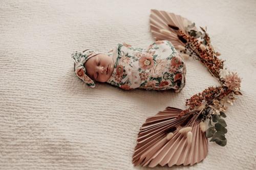 Snuggle Hunny Kids - Florence Snuggle Swaddle & Topknot Set