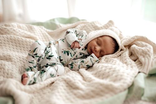 Snuggle Hunny Kids - Eucalypt Growsuit